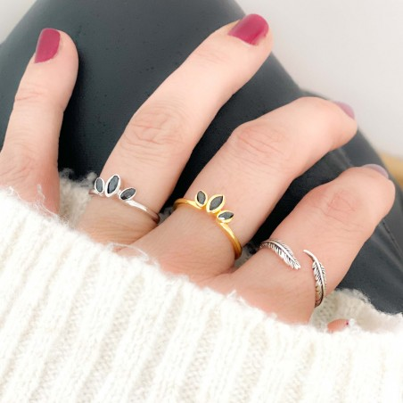 Sterling silver 925 ring with black zirconia leaves