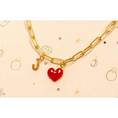 Cadena en plata chapada en oro con colgante de letra y corazón esmaltado en rojo