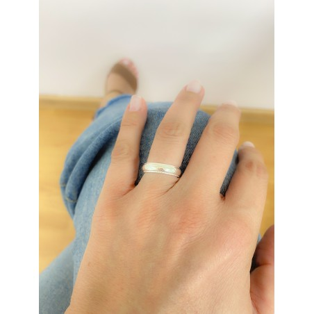 Sterling silver 925 ring with textured borders